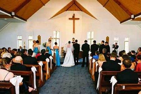 tuhan kristiani demikian galau, dan jijik melihat pernikahan yang sakral,dan membenci malam pertama mereka