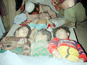 SEORANG ayah meratapi kematian bayi lelakinya dan tiga kanak-kanak jirannya yang terbunuh dalam serangan udara Amerika Syarikat di Kabul
